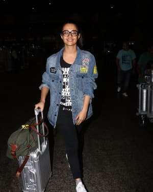 In Pics: Surveen Chawla Snapped At Mumbai Airport   Picture 1529849