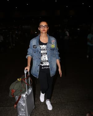 In Pics: Surveen Chawla Snapped At Mumbai Airport   Picture 1529847