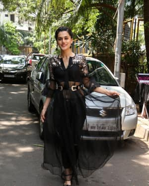 In Pics: Taapsee Pannu Spotted At INDIGO Restaurant | Picture 1529925