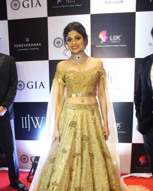 Shamita Shetty - In Pics: Celebs Walks Ramp At IIJW 2017