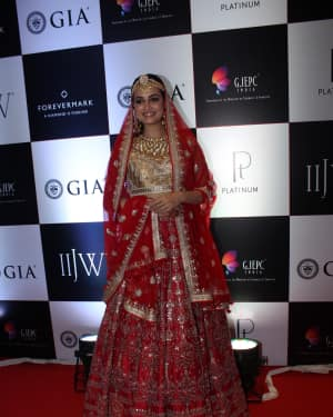 Dia Mirza - In Pics: Celebs Walks Ramp At IIJW 2017 | Picture 1530254