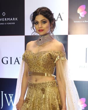 Shamita Shetty - In Pics: Celebs Walks Ramp At IIJW 2017 | Picture 1530301