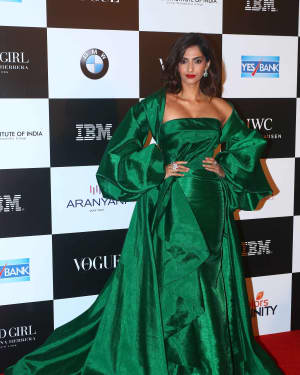 Sonam Kapoor Ahuja - In Pics: Red Carpet Of Vogue Women Of The Year 2017