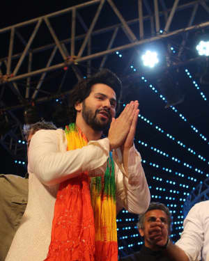Varun Dhawan - In Pics: Team Judwaa 2 Visit Navratri Garba Night