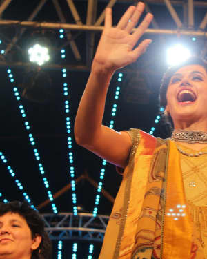 Taapsee Pannu - In Pics: Team Judwaa 2 Visit Navratri Garba Night