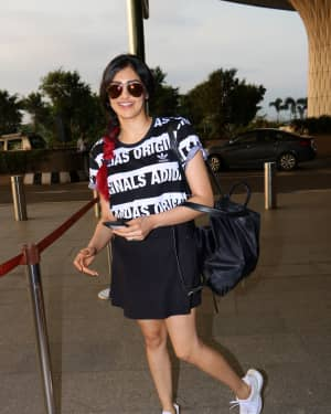 Adah Sharma Spotted At Airport Images | Picture 1531214