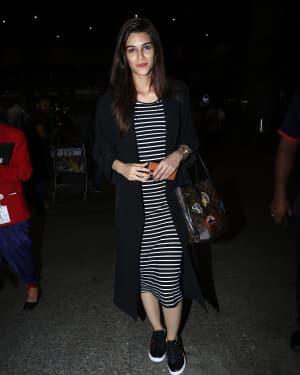 In Pics: Kriti Sanon Snapped At Mumbai Airport   Picture 1531289