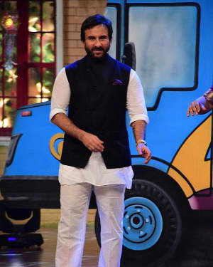 Saif Ali Khan - In Pics: Promotion Of Film Chef On Set Of Drama Company | Picture 1531310