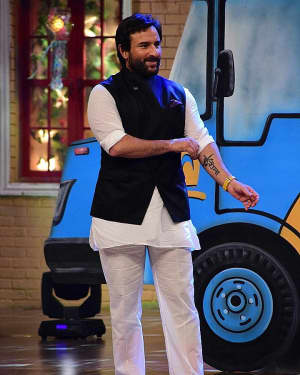 Saif Ali Khan - In Pics: Promotion Of Film Chef On Set Of Drama Company