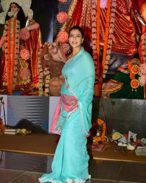 In Pics: Kajol Serve Bhog To All The Devotees Of Maa Durga | Picture 1531487