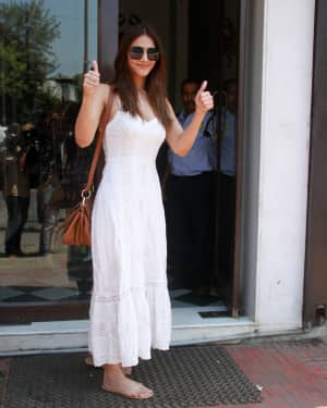 Photos: Vaani Kapoor spotted at Bastian restaurant