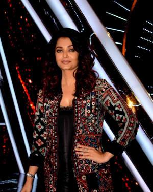 Photos: Aishwarya Rai at The Sets Of Indian Idol At Yashraj Studio