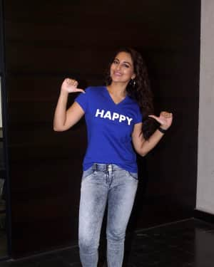 Sonakshi Sinha - Photos: Interview With Star Cast Of Film Happy Bhaag Jayegi Returns