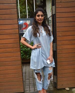 Photos: Kritika Kamra spotted at Santacruz