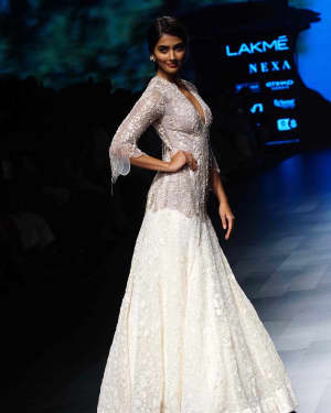 Pooja Hegde - Photos: Lakme Fashion Week 2018