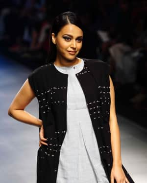 Swara Bhaskar - Photos: Lakme Fashion Week 2018