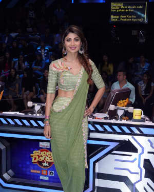 Photos: Actress Shilpa Shetty On Set Of Super Dancer Chapter 2