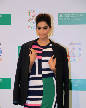 Photos: Sonam Kapoor During The 25 Years Celebration Of Benetton India Of Heritage And Values In India