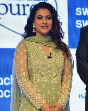 Kajol - Photos: Launch Of Swachh Aadat, Swachh Bharat' Campaign