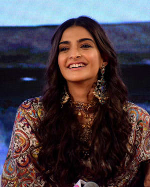 Sonam Kapoor - Photos: Promotion Of Pad Man at Innovation Conclave
