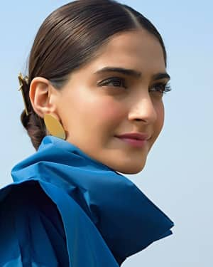 Photos: Sonam Kapoor for Promotions of film Padman | Picture 1559093