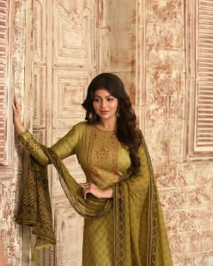 Photos: Ayesha Takia shoots for an Ad campaign at goregaon | Picture 1585546