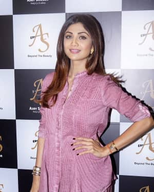 Photos: Shilpa Shetty Launches Her Makeup Artists Make Up Academy
