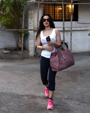 Photos: Ameesha Patel Spotted at Kromakay Salon | Picture 1573363