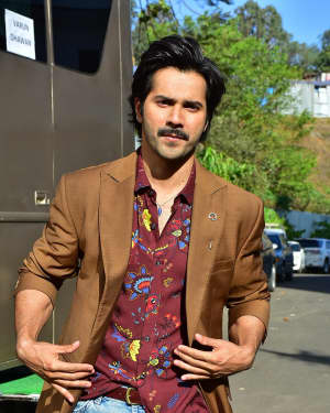 Photos: Varun Dhawan Promotes Film October At The Sets Of Super Dancer - Chapter 2