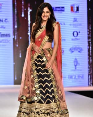 Photos: Pooja Chopra Showstopper For Designer Shaina | Picture 1574031