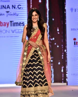 Photos: Pooja Chopra Showstopper For Designer Shaina | Picture 1574027