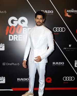 Sidharth Malhotra - Photos: Red Carpet Ceremony of GQ Best Dressed 2018 | Picture 1583591