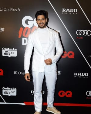 Sidharth Malhotra - Photos: Red Carpet Ceremony of GQ Best Dressed 2018 | Picture 1583585