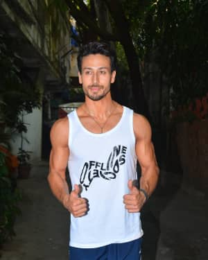Photos: Tiger Shroff spotted at Krome Studio