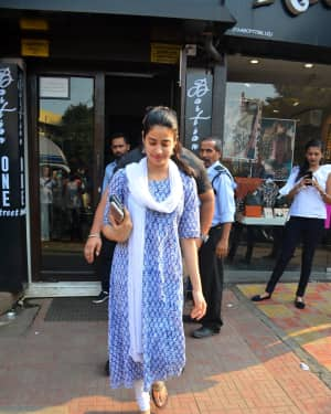 Photos: Janhvi Kapoor spotted at Bastian