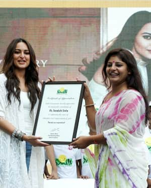 Photos: Sonakshi Sinha at the 9th anniversary celebration of Palladium lower parel | Picture 1603900