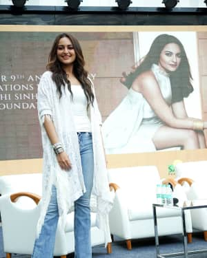 Photos: Sonakshi Sinha at the 9th anniversary celebration of Palladium lower parel | Picture 1603898