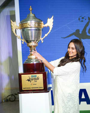 Photos: Sonakshi Sinha at the launch of india's largest corporate football tournament Legends Cup | 1603906
