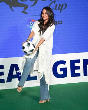 Photos: Sonakshi Sinha at the launch of india's largest corporate football tournament Legends Cup | 1603902
