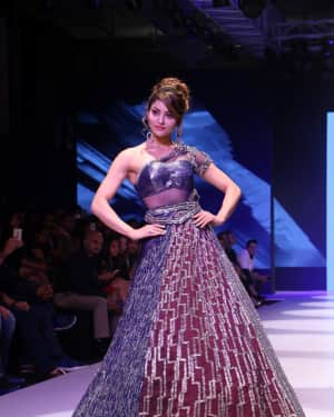 Urvashi Rautela - Photos: BT Fashion Week 2018 | Picture 1604589