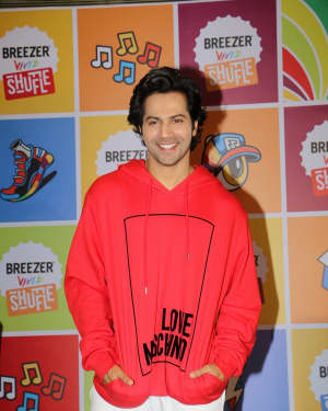 Photos: Varun Dhawan at the press conference of vivid shuffle hip hop dance competition