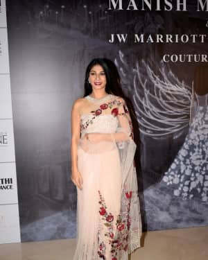 Tanisha Mukherjee - Photos: Red Carpet for Manish Malhotra new collection Haute Couture