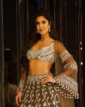 Katrina Kaif - Photos: Red Carpet for Manish Malhotra new collection Haute Couture