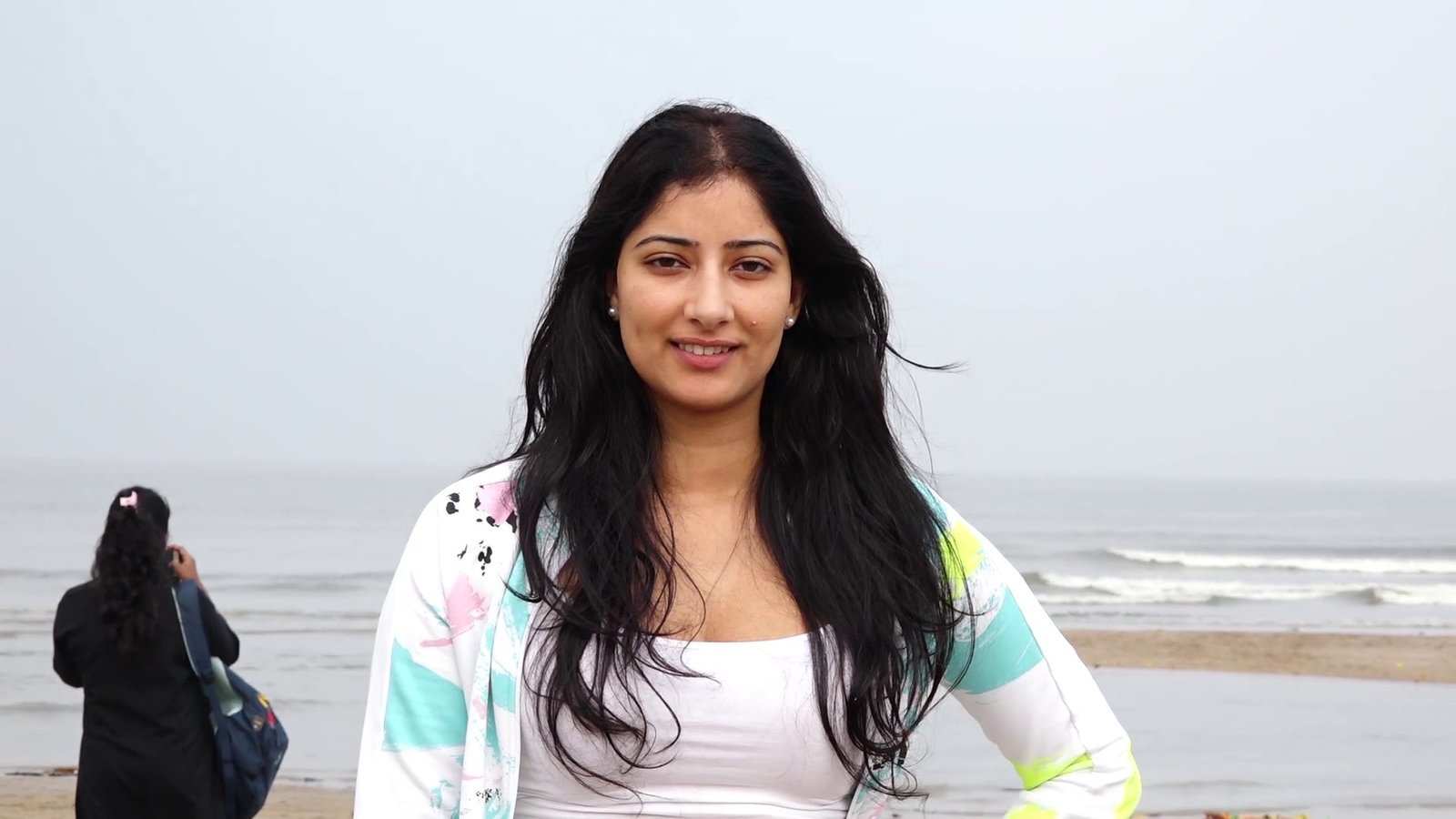 Photos: Niharica Raizada at Aksa Beach For Clean Up Campaign   Picture 1599082