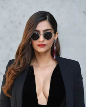 Photos: Sonam Kapoor at Giorgio Armani Fashion Show in Milan