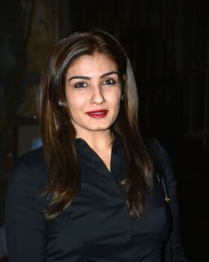 Photos: Raveena Tandon Spotted at Pali Village Cafe | Picture 1626031