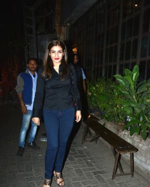 Photos: Raveena Tandon Spotted at Pali Village Cafe | Picture 1626020