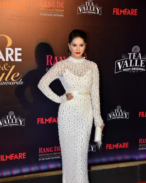 Sunny Leone - Photos: Red Carpet Of Filmfare Glamour and Style Awards 2019 | Picture 1626864