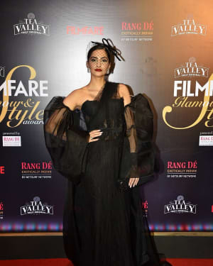 Sonam Kapoor Ahuja - Photos: Red Carpet Of Filmfare Glamour and Style Awards 2019 | Picture 1626848
