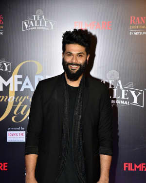 Photos: Red Carpet Of Filmfare Glamour and Style Awards 2019